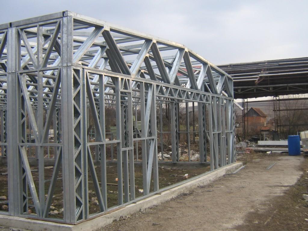 constructie pe structura metalica