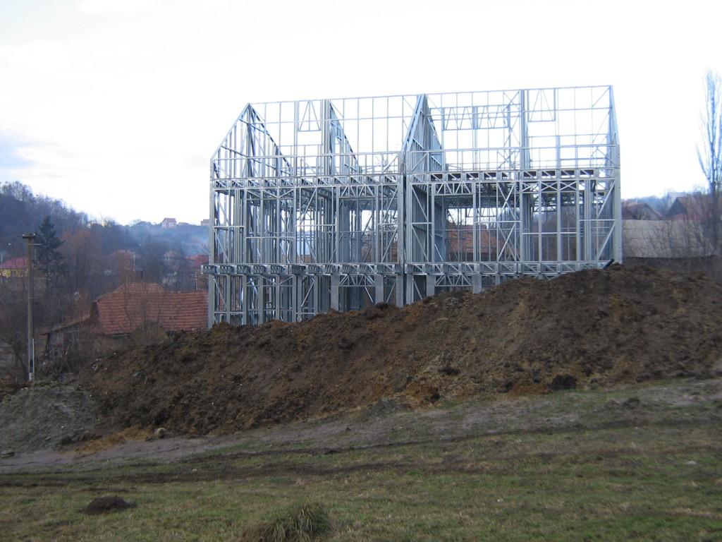 Ansamblul de case pe structura metalica Feleacul