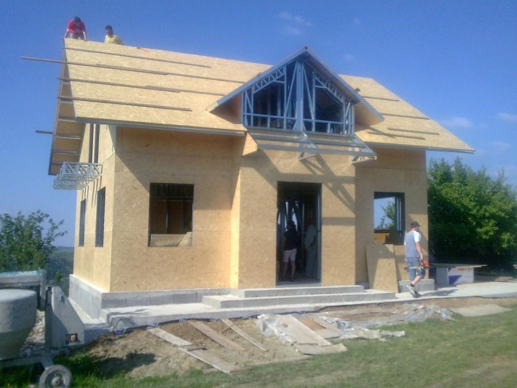 Casa de vacanta pe structura metalica