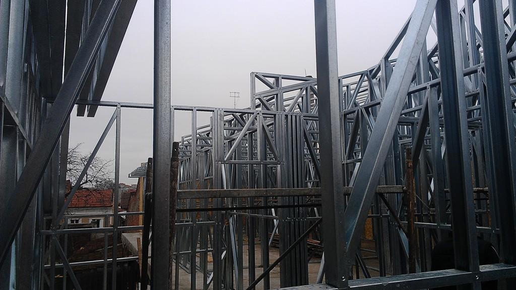 Mansardare case pe structura metalica