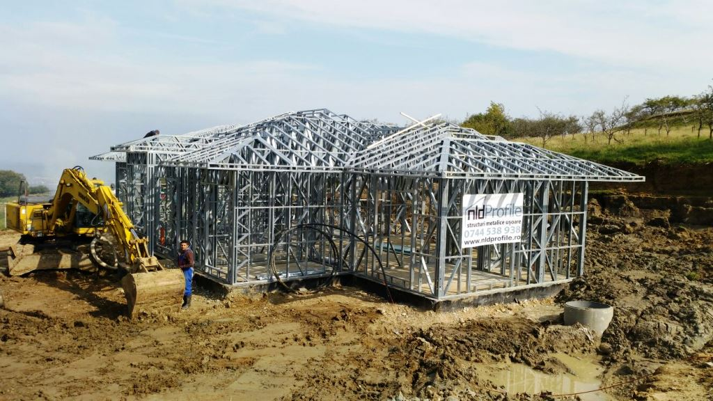 Case pe structura metalica - Casa Feleac
